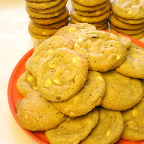 White Cocolate Macadamia Cookies