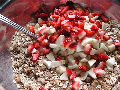 Apple Strawberry Baked Oatmeal