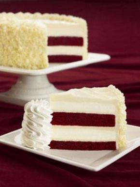 Stefanie's Ultimate Red Velvet Cake Cheesecake1