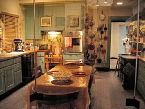 Julia_Child's_kitchen_as_seen_on_display_at_the_National_Museum_of_American_History