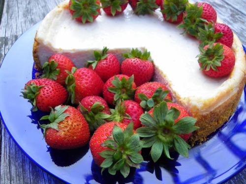 New York Style  Cheesecake with Fresh Strawberries image 2