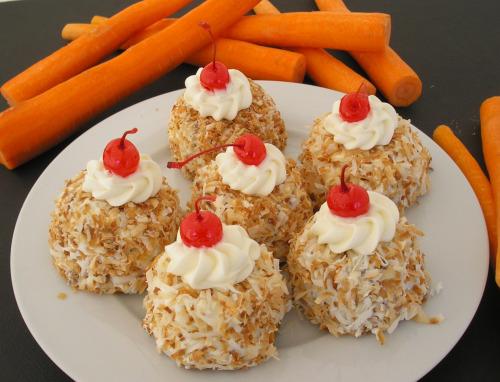 cute carrot cupcakes recipe image - Good Christmas Desserts